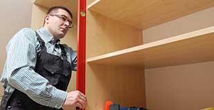 Walk-in closet bouwen